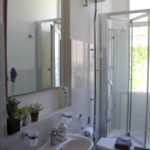 Bagno privato con doccia