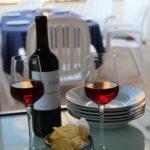 Vino di Sicilia per preparare una cena nell'appartamento vacanza il dammuso Palermo